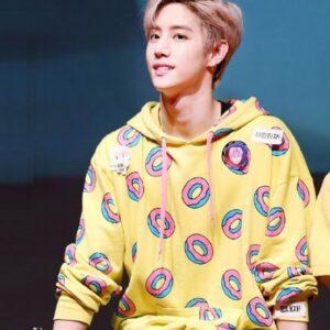 got7 mark idol sweatshirt